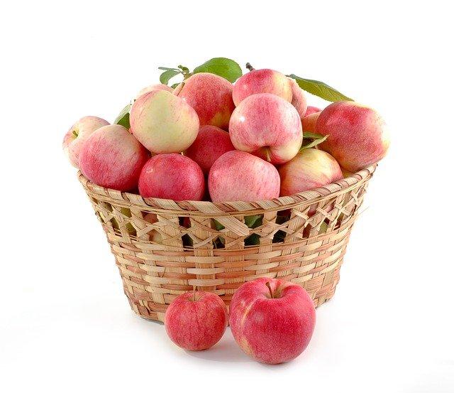 gyümölcsös láda a mezőgazdaságban